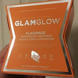 Glam glow flash mud brightening treatment